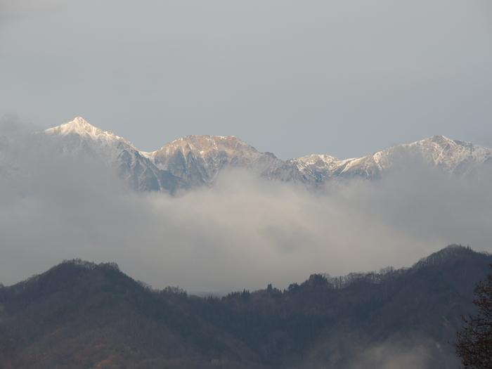白馬三山、少し白くなりました。