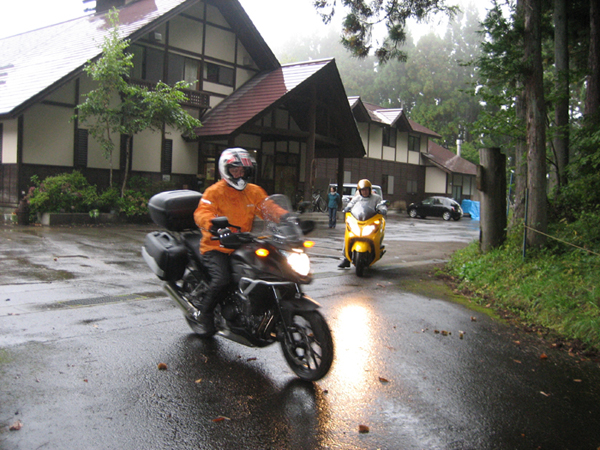 バイクツーリングもいいですよ。